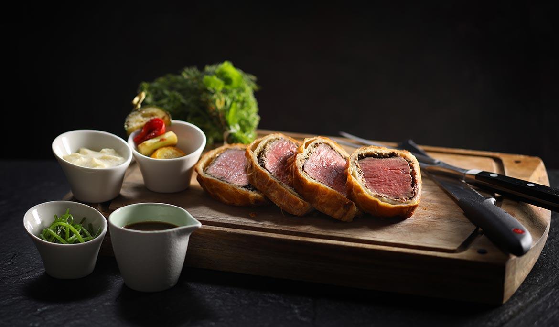 Roasted U.S. Beef Wellington (Seasonal Vegetables, Grilled Vegetables, Black Truffle Sauce)