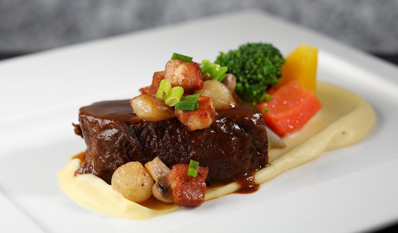 (Lunch Only)Braised Australian Wagyu Beef Cheek, Mashed Potatoes, Grape Sauce